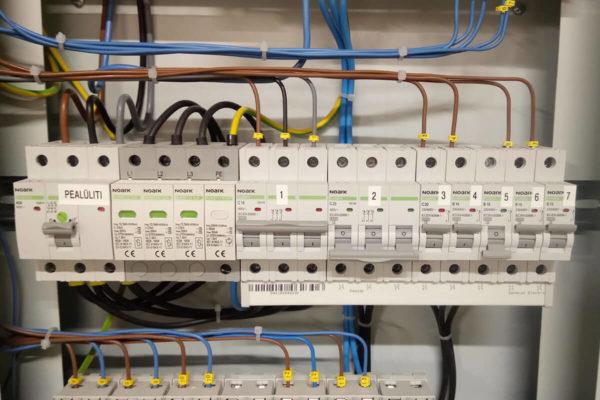 Loomapidamishoone elektritööd - elektrikilp